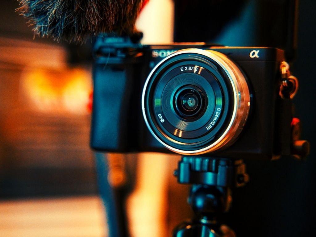 Top 9 Best Sony Camera for Vlogging, Portraits, Landscape, Wedding & More 2021 Reviews