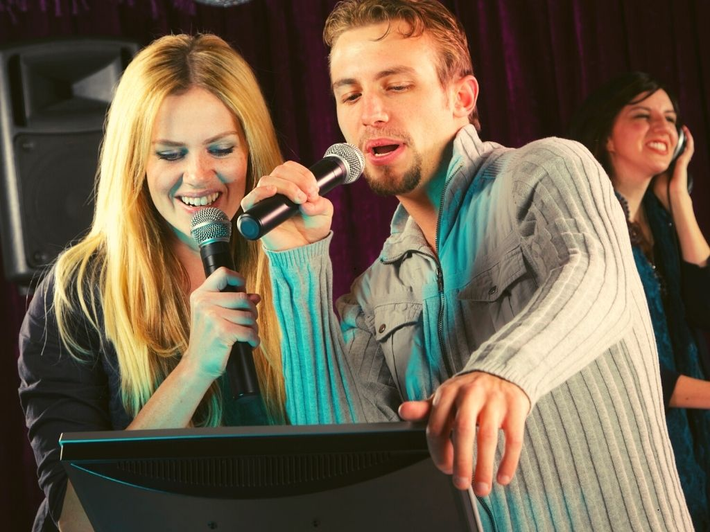 Top 9 Best Karaoke Speakers for Large/Small Venues & Home Use 2021 Reviews